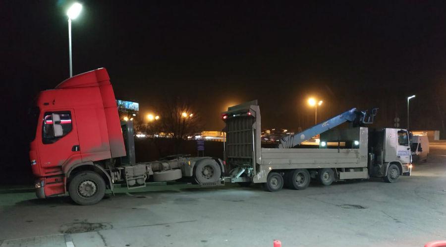 Перевозим тягач для фуры